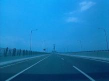 Jembatan Suramadu jalan pintas Surabaya - Madura  (photo by @NovyWriter)